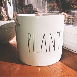 Rae Dunn Home Planter